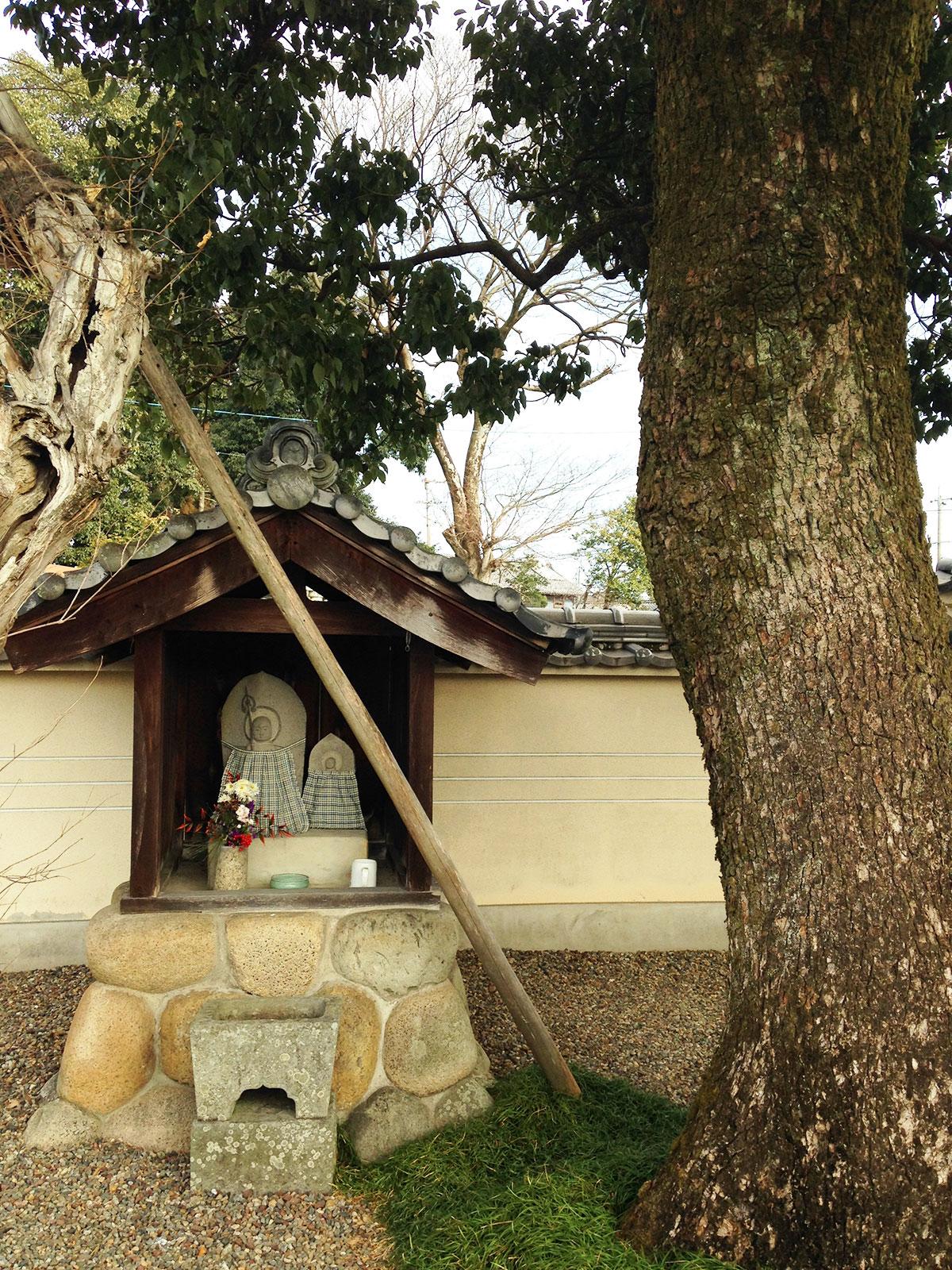 境内の地蔵菩薩