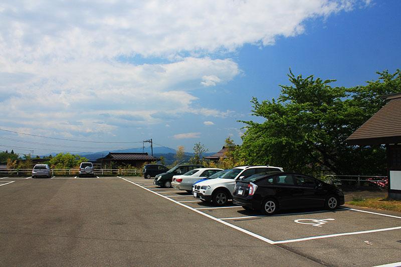 慈恩寺駐車場