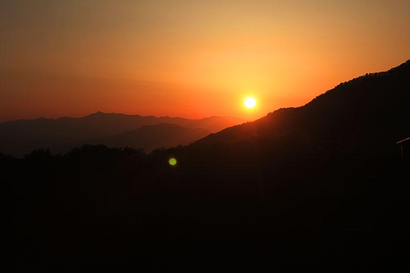 蔵王温泉から見た夕日