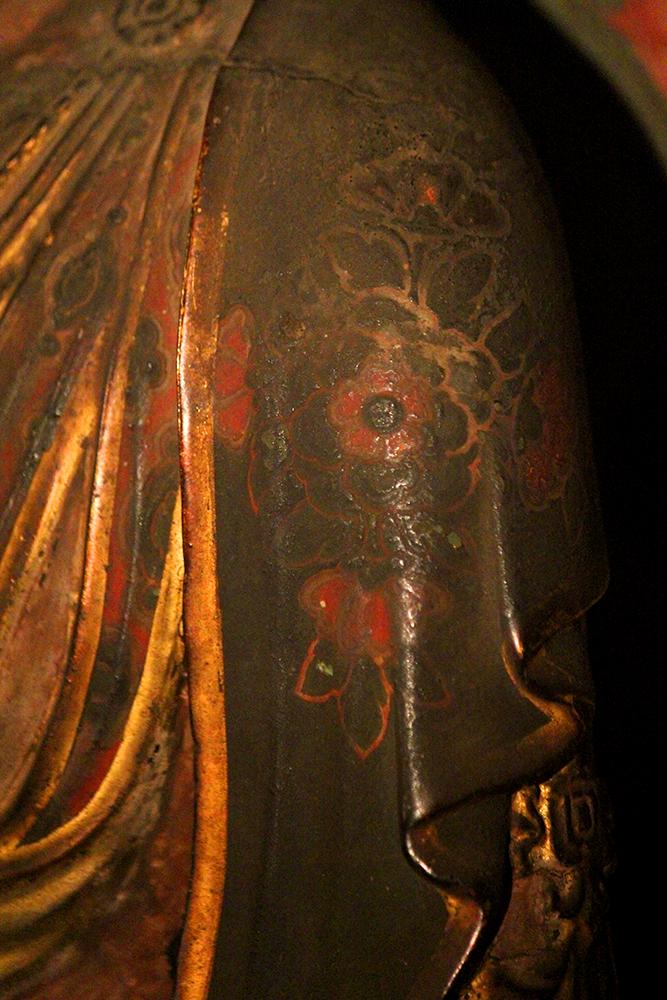 左肩の宝相華紋