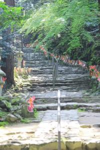 本堂への石段