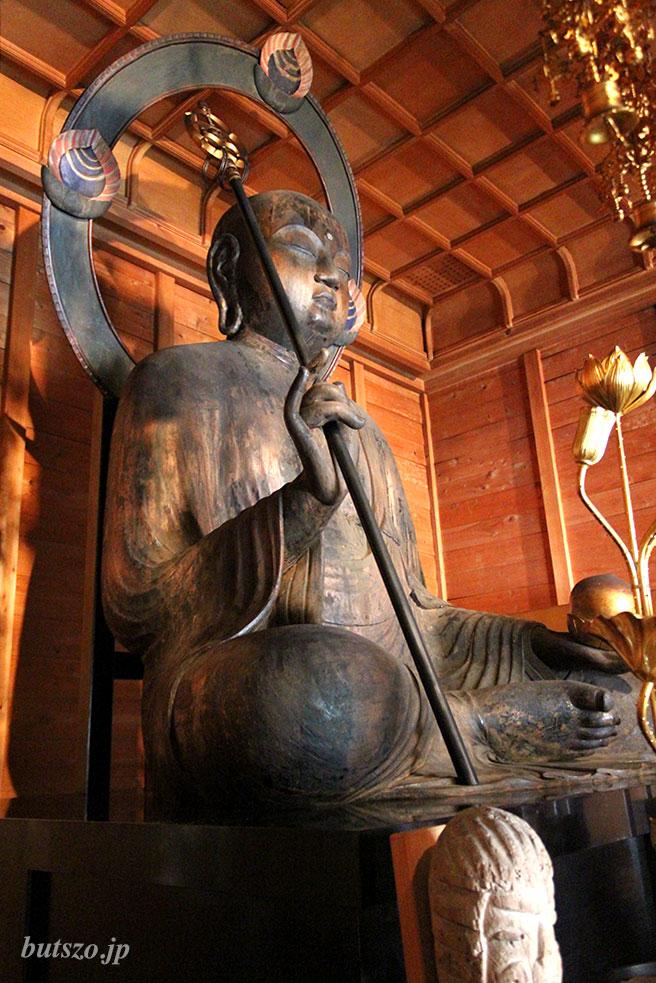 地蔵菩薩像全体 左側から