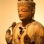 岡本神社 十一面観音坐像 上半身斜めから