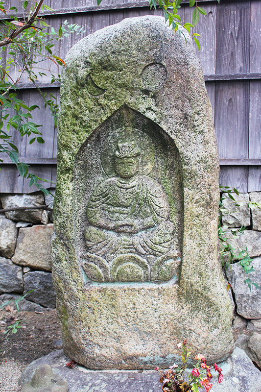 境内の石仏