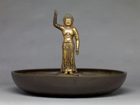 誕生釈迦仏
