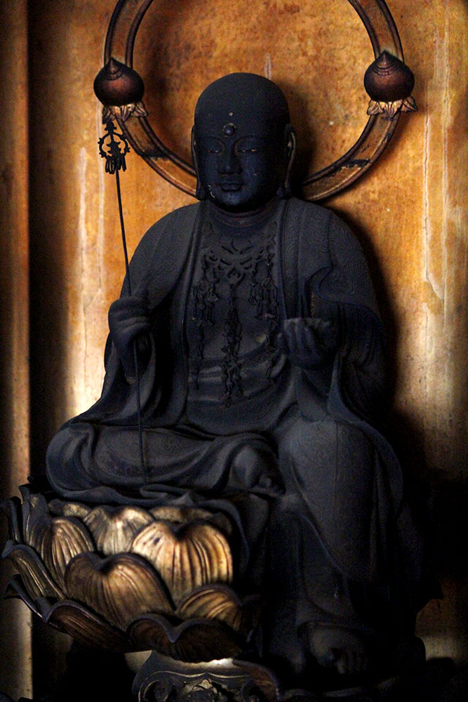 地蔵菩薩半跏蔵全体