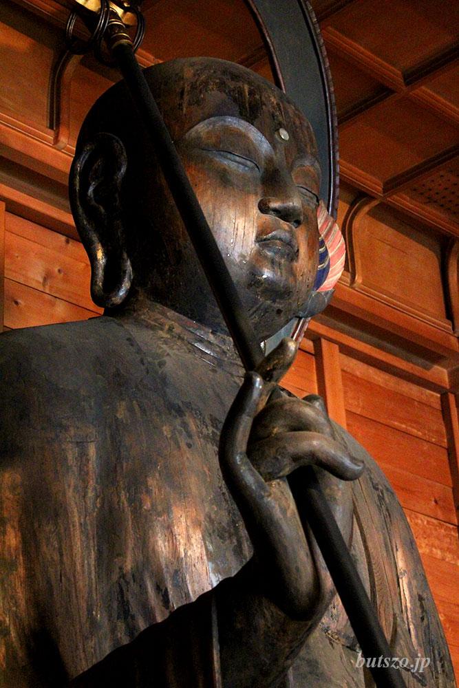 地蔵菩薩像 上半身 右側から